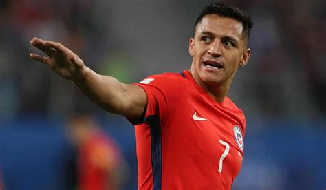 alexis sanchez origin psg ready to pull off the greatest double swoop in