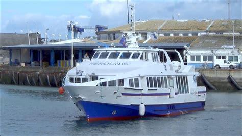 ferry quiberon belle ile port de lorient kerdonis bateau liaison quiberon