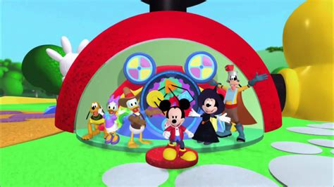 mickey club house mickey mouse clubhouse halloween hotdog dance youtube