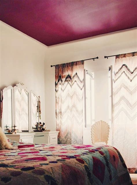 what color curtains make a room look bigger 10 sneaky ways to make a small space look bigger the
