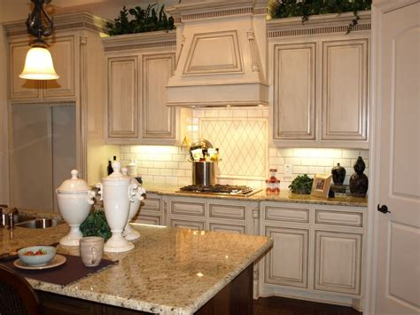 how to antique kitchen cabinets 242 best beautiful kitchens images on