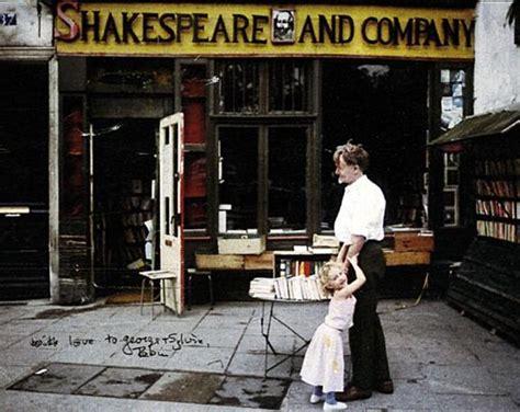 scaffali in inglese shakespeare co la libreria con i letti tra gli scaffali