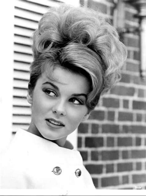 hairstyles in the early 1960s 1000 images about 1960s women s hair and makeup on