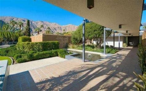 dinah shore house leonardo dicaprio buys dinah shore s palm springs house