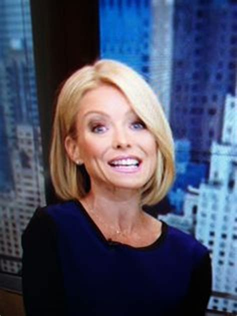 how to get wavy hair like kelly ripa kelly ripa just debuted a new haircut on live you like
