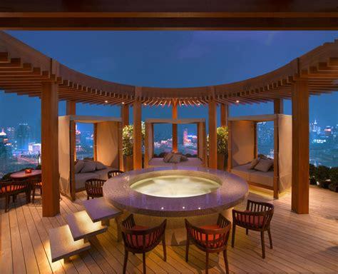 top 10 rooftop bars in the world los hoteles m 225 s altos de shangh 225 i