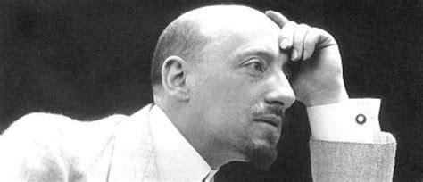 gabriele dannunzio biografia letteratura saggio breve il falso mito dell estetismo di d annunzio
