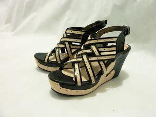 Sepatu High Heels Wanita Ey553 Gold Pink Purple tips memilih dan merawat sandal wedges adijevois