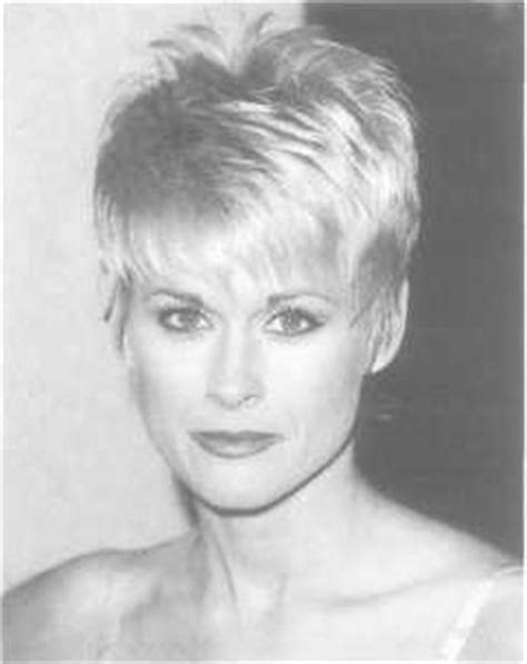 lorrie morgan short hairstyles lorrie morgan iconic country music singers i v seen