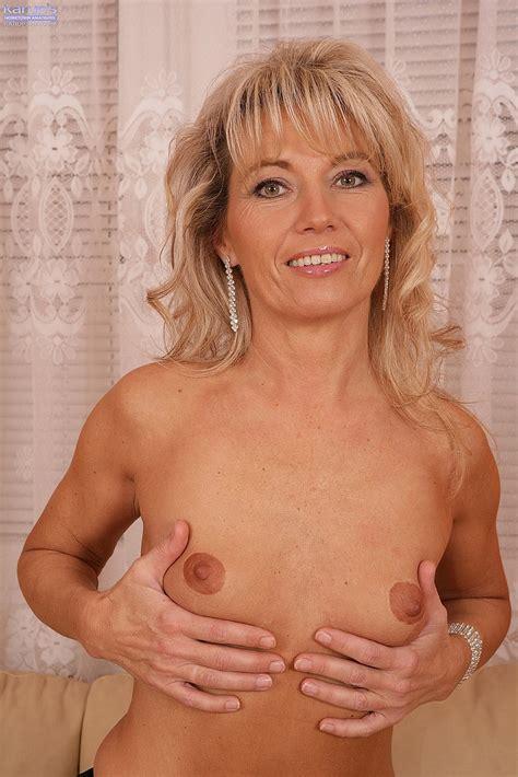 Mature Blonde Janet Darling Finger Play Her Kitty MILF Fox