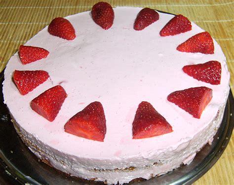 kalorienarmer kuchen mit quark kalorienarme erdbeertorte mit quark rezept mit bild