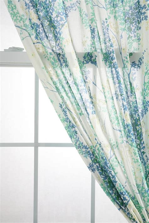 branch curtains urbanoutfitters com gt breezy branch curtain http www