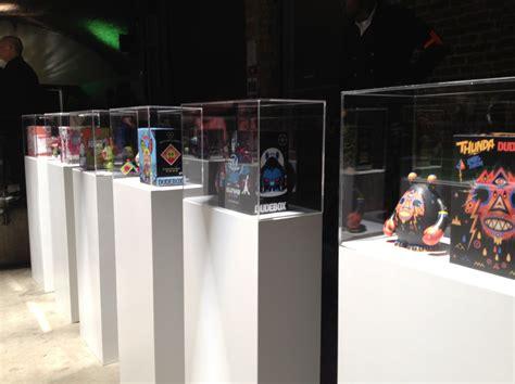 acrylic display case  exhibition plinth