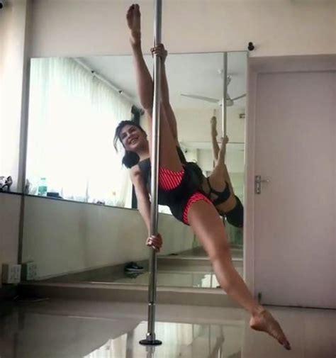 wow here s how jacqueline fernandez practices pole