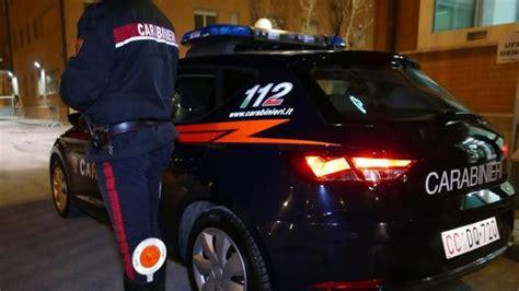 stranieri senza permesso di soggiorno ruba telefonino e chiede 100 arrestato senegalese