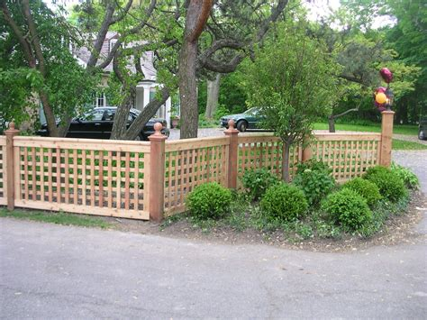 garden amp patio  lattice fence idea  front garden