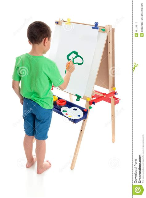 painting for boy a boy painting a picture royalty free stock photography