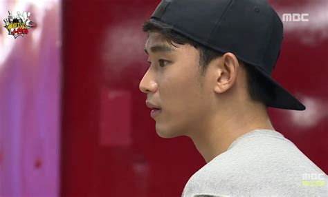 kim soo hyun variety show kim soo hyun s quot super bowler quot appearance overtakes park bo