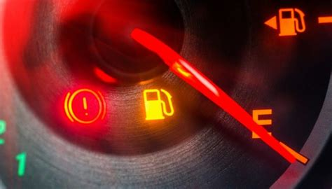 how many miles when gas light comes on toyota camry low fuel light how far can you drive on empty