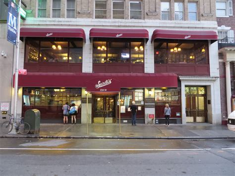 Sardis Restaurant Manhattan | file sardi s restaurant manhattan new york 001 jpg