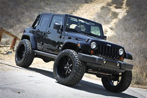 jeep sahara lifted image gallery jeep sahara lifted