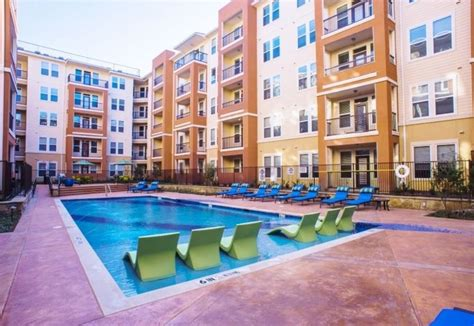 One Bedroom Apartments In Fort Worth Tx | 4000 hulen urban apartment homes rentals fort worth tx