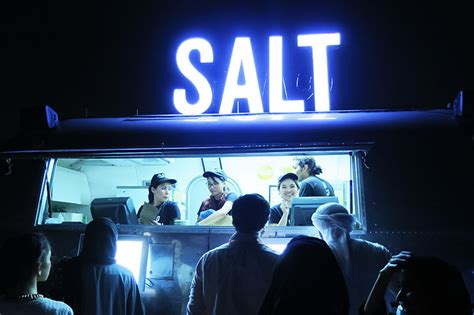 salty restaurant palm jumeirah dubai travelling colors