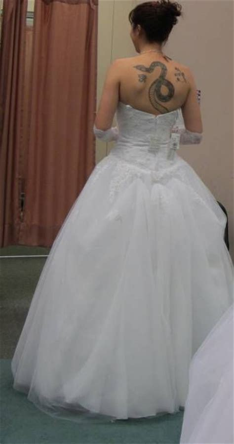 Best 25  Wedding dress bustle ideas on Pinterest   Jim