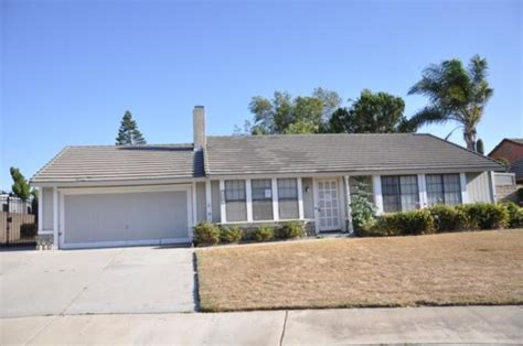 1327 madrona rialto ca 92376 foreclosed home