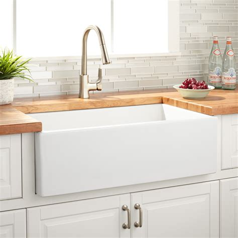 White Farmhouse Kitchen Sink 33 Quot Grigham Reversible Farmhouse Sink White Kitchen