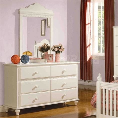 how to decorate a bedroom dresser top easyhometips org
