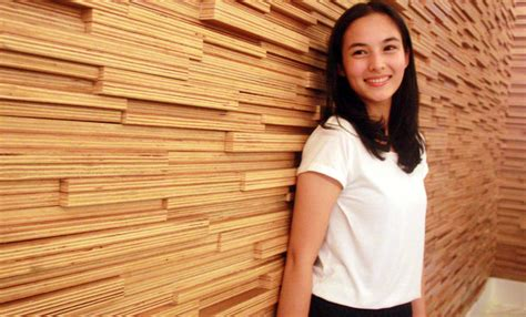 chelsea islan di film tetangga masa gitu buku difilmkan merry riana the movie s h m i l y