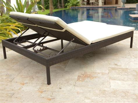 Source Outdoor Manhattan Wicker Double Chaise Lounge
