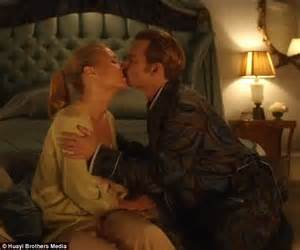 sex bedroom movies gwyneth paltrow gags after kissing johnny depp in new