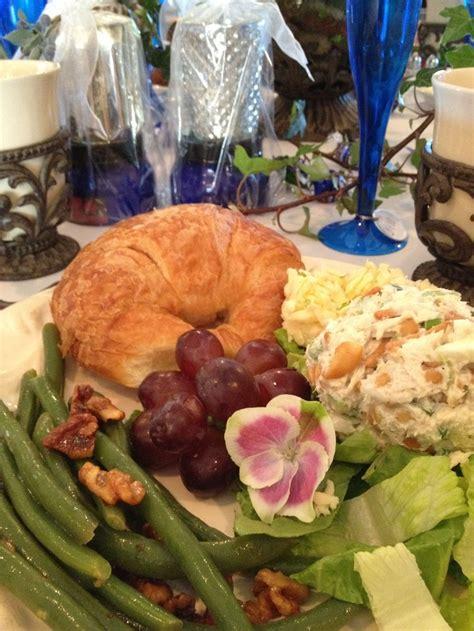 bridal shower lunch ideas bridal luncheon menu te hakkında 25 den fazla en