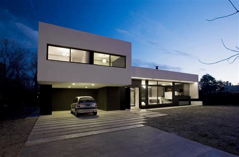 modern garage grand bell house by andres remy arquitectos keribrownhomes