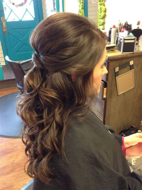 Bridesmaid Hairstyles For Curly Hair by 53 Best Wedding Half Up Half Hairstyles Images On