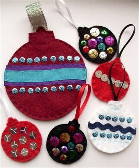 decorar bolas de navidad con fieltro adornos navide 241 os con fieltro decoraci 243 n de interiores y