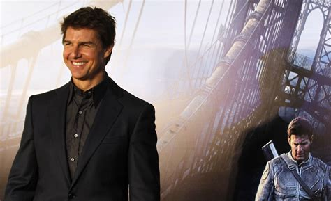 film tom cruise alieni tom cruise believes in aliens wants to go to outer space