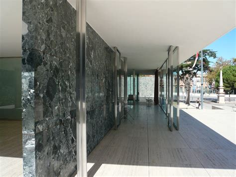 mies der rohe pavillon panoramio photo of mies der rohe s barcelona pavilion