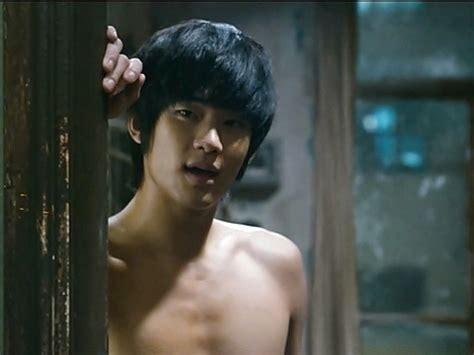 kim soo hyun the thieves kim soo hyun goes topless in new still cut for the