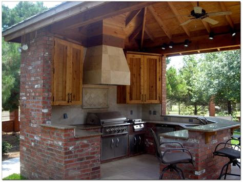 Travertine Tile Outdoor Kitchen by Gripping Rustic Outdoor Kitchen Plans With Travertine