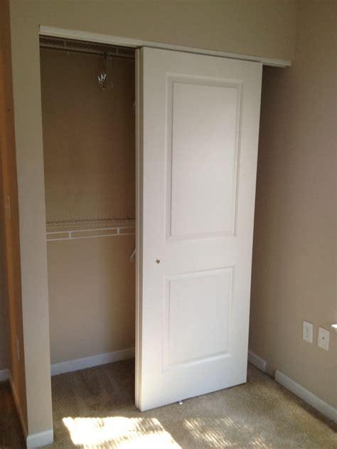 sliding closet doors carpets   bedroom bedroom