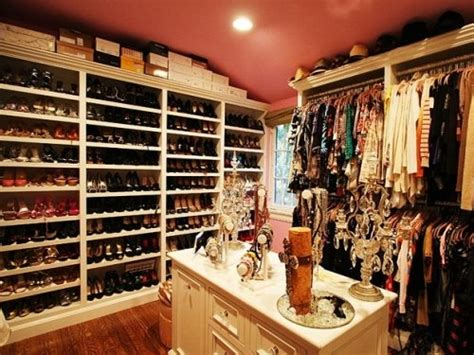 How Big Should A Closet Be by Un Coup D Aile In Closet