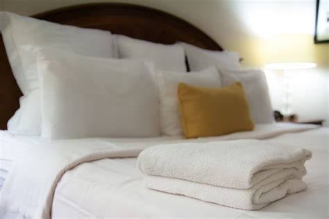 hotel beds customer service hospitality linen and linen laundry service midwest linen