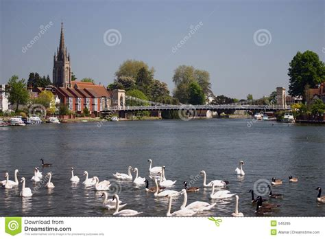 thames river boat trips marlow river thames at marlow england stock image image 545285