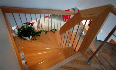 Comment Peindre Une Cage D Escalier Tournant by Cage D Escalier Choix De D 233 Coration Ooreka