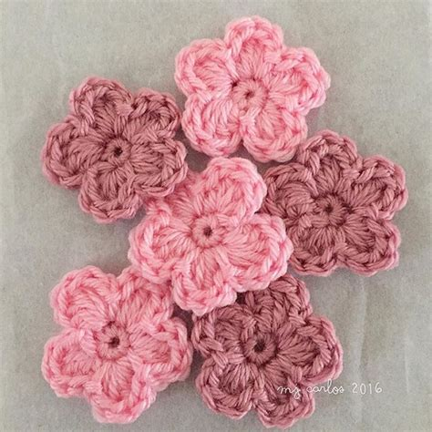 how to knit crochet flowers how to crochet flowers tutorial crochet and knit