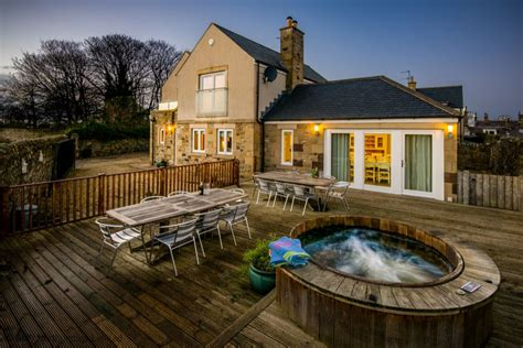 self catering cottages seahouses northumberland northumberland cottage with tub hastings