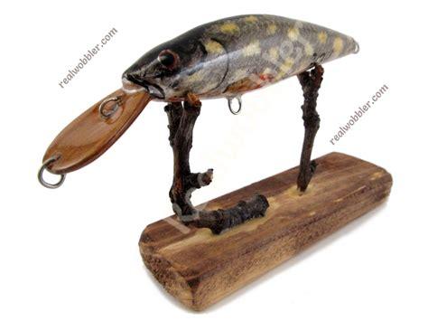 Handmade Bass Lures - best lure for sea bass fishing handmade with pike skin